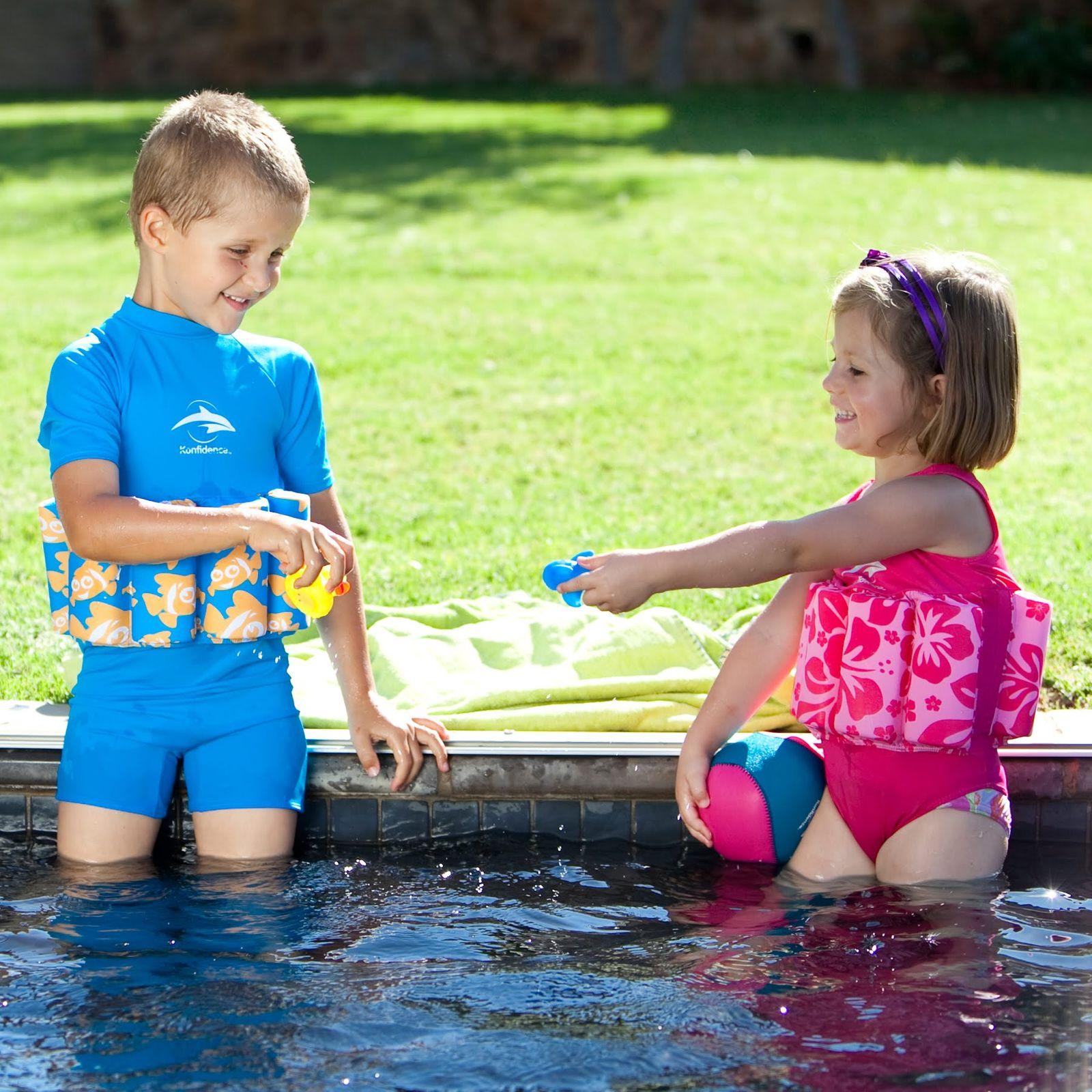 Konfidence Floatsuit, Schwimmhilfe mit umfangreichen Schwimmratgeber – Bild 15