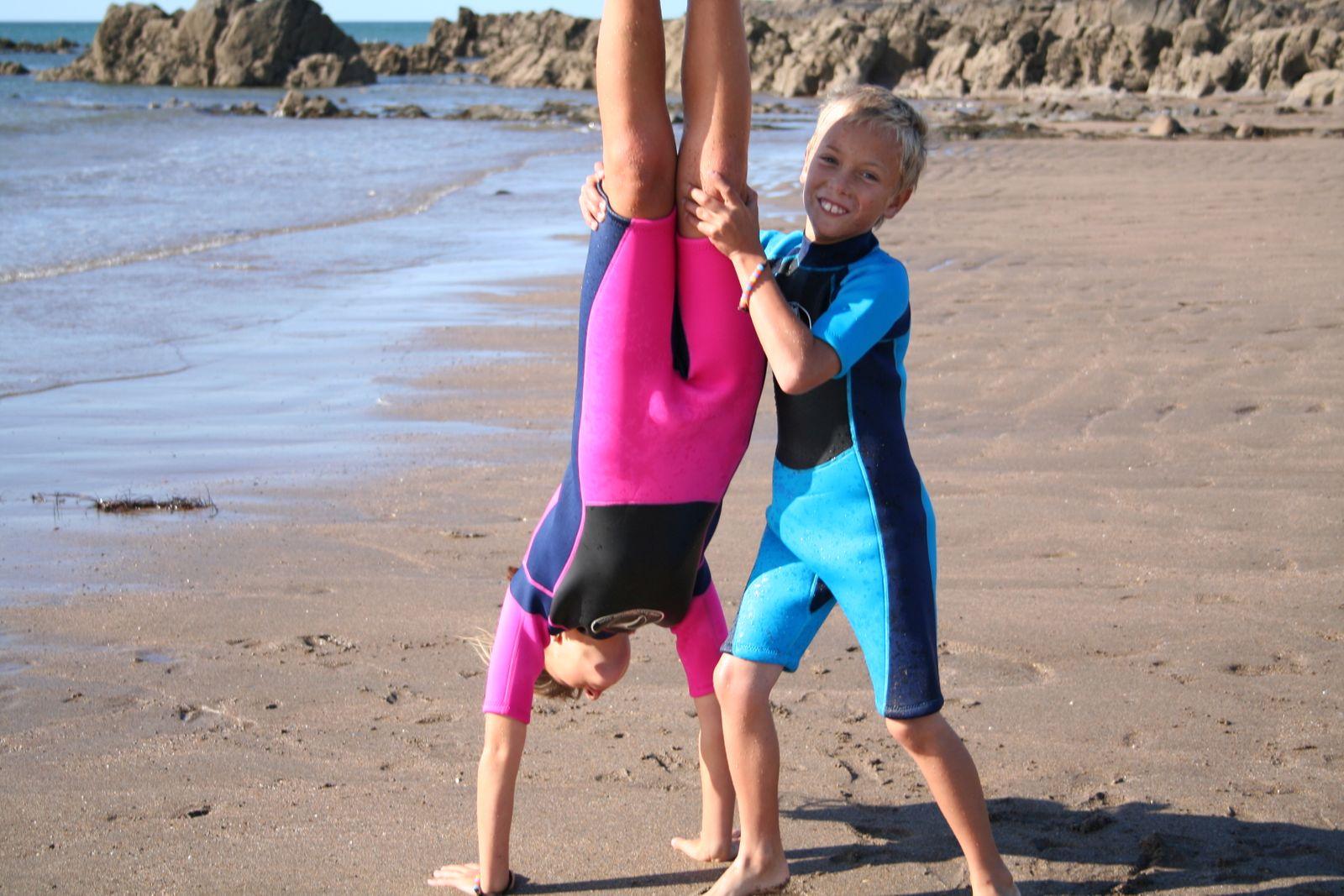 Konfidence Neoprenanzug für Kinder mit umfangreichem Schwimmratgeber – Bild 6
