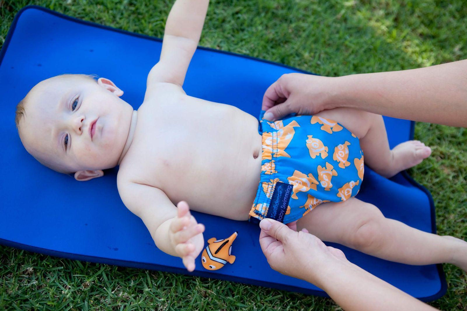 Konfidence Schwimmwindel mit umfangreichem Babyschwimmratgeber (passt von 3 Monate bis 3 Jahre) – Bild 20