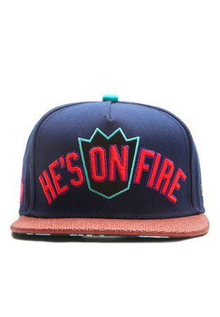 Hands Of Gold Snapback Cap On Fire – Bild 2