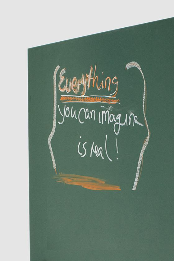 Schreibtafel-Design-Holz-magnetisch-mobil-beschreibbar-Write It on Tour-gruen