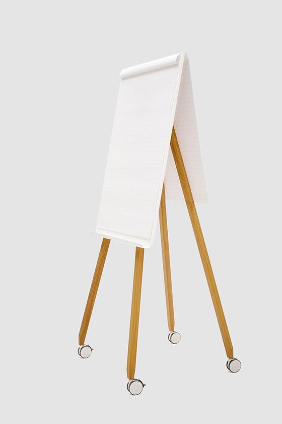 Flipchart-Design-Holz-magnetisch-mobil-Freewheelin-weiss