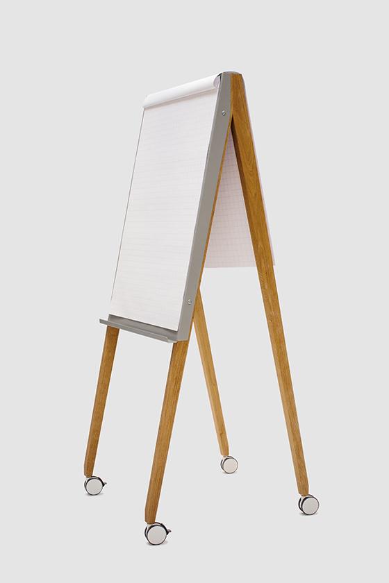 Flipchart-Design-Holz-magnetisch-mobil-Charter on Tour-grau