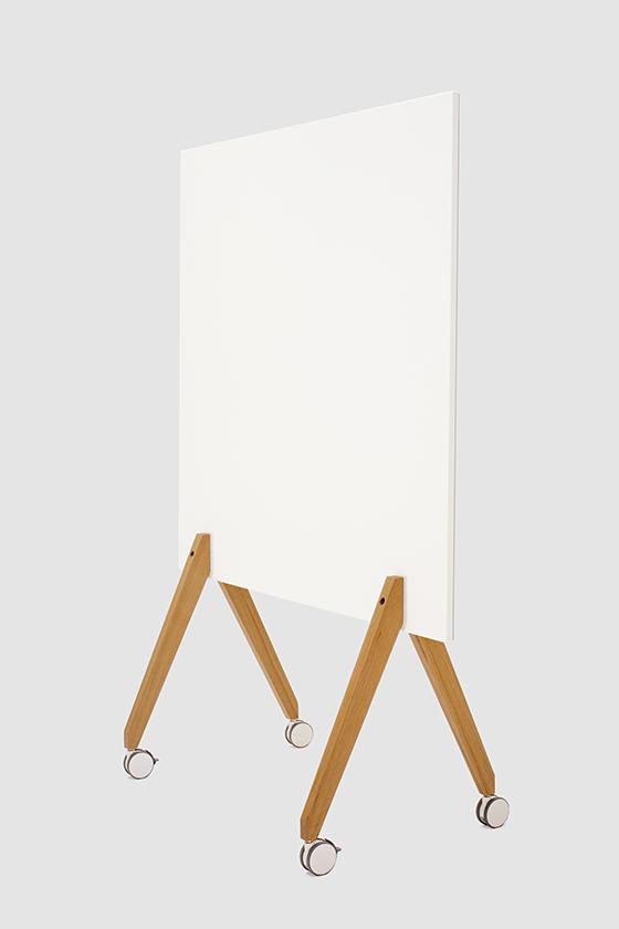 Pinnwand-Design-Holz-magnetisch-mobil-grauer Filz-Pin Up on Tour-weiss