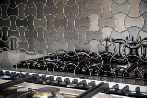 Azulejo mosaico de metal sólido Acero inoxidable pulido espejo gris 1,6 mm de grosor ALLOY Infinit-S-S-M diseñado por Karim Rashid 0,91 m2 – Imagen 5