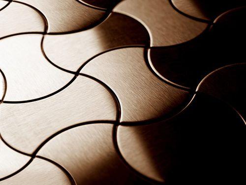 Azulejo mosaico de metal sólido Titanio Amber cepillado cobre 1,6 mm de grosor ALLOY Infinit-Ti-AB diseñado por Karim Rashid 0,91 m2 – Imagen 4