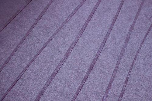 Papel pintado con rayas Atlas COL-569-0 papel pintado no tejido liso de diseño efecto satinado violeta rojo-lila violeta perlado 5,33 m2 – Imagen 2