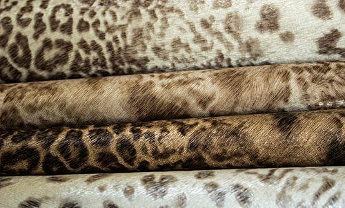 Tiermotiv Tapete Atlas SKI-5070-3 Vliestapete geprägt mit Leopardenmuster schimmernd braun beige-braun terra-braun bronze 7,035 m2 – Bild 3