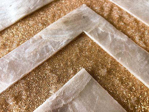Revêtement mural de luxe coquille WallFace LU01-12 CAPIZ Jeu de carreaux décoratifs faits à la main avec des vraies coquilles et perles de verre optique nacré blanc crème brun-doré 2,40 m2 – Bild 3