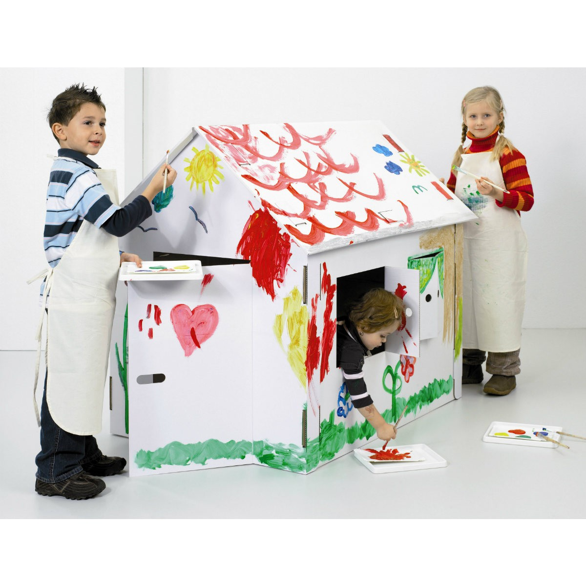 maison en carton pour enfants peindre et bricoler 120x80x110cm. Black Bedroom Furniture Sets. Home Design Ideas