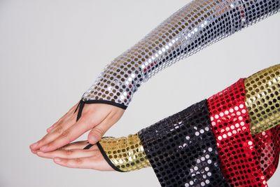 Ein Paar Palietten Handschuhe  fingerlos Zubehör