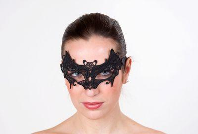 Augenmaske Fledermaus aus schwarzer Spitze