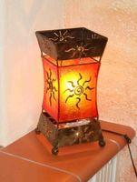 Deko-Leuchte XENIA, Tischlampe aus Metall und Resin, Stimmungsleuchte
