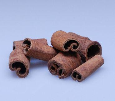 100g Zimt, 1-3 cm Stücke