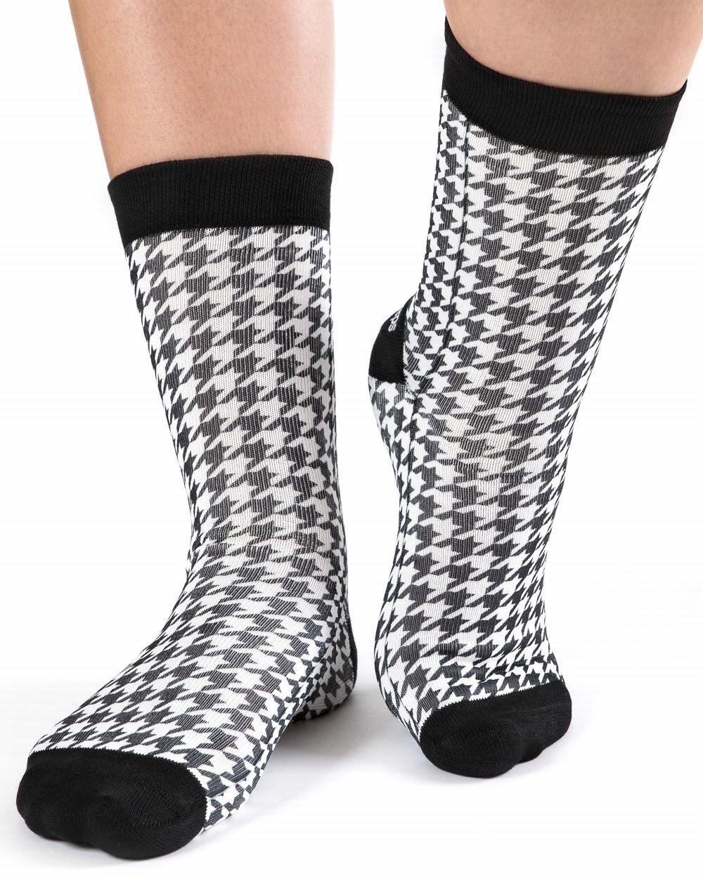 wigglesteps Socken - Houndstooth Check, Hahnentrittmuster - schwarz / weiß, One Size 36 - 40