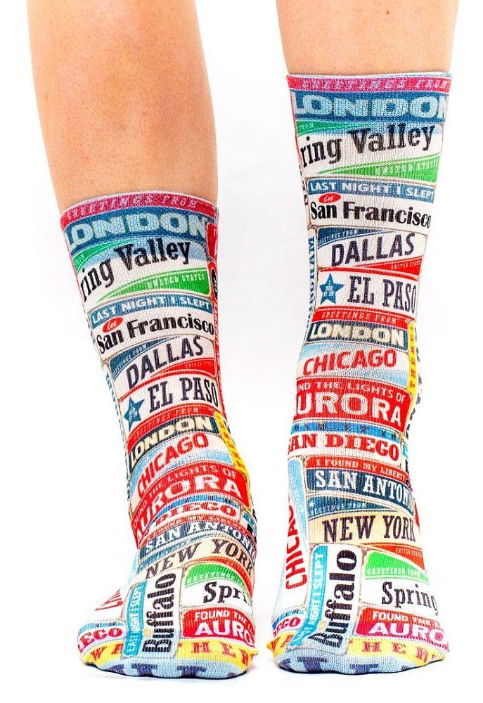 wigglesteps Socken - Vintage Cities, Schilder mit Städten, London, Chicago - bunt, One Size 36 - 40