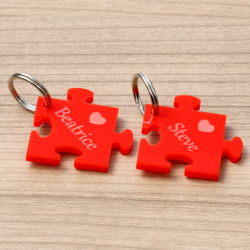 Farbige Acrylglas Liebes-Anhänger individuell graviert Schlüsselanhänger – Bild 1