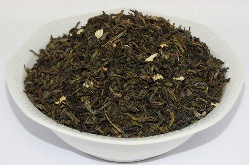 Jasmin Grüner Tee mit Jasminblüten