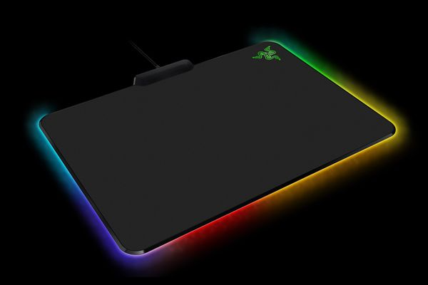 razer Firefly Gaming Mouse Pad / Mat - Cloth Edition – Bild 3