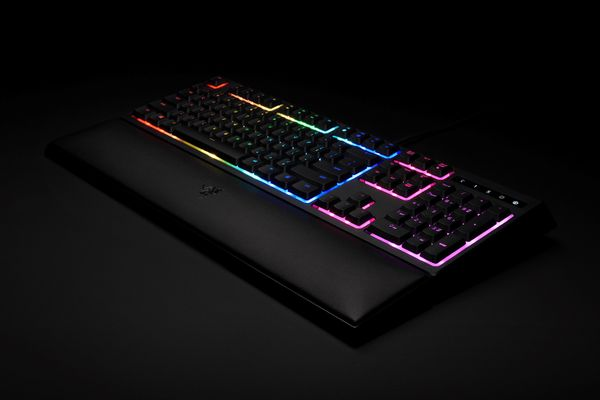 RAZER Ornata Chroma Membrane Gaming Keyboard (CHE Layout - QWERTZ) – Bild 6