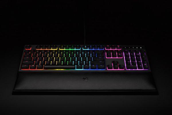 razer Ornata Chroma Membrane Gaming Keyboard (CHE Layout - QWERTZ) – Bild 5