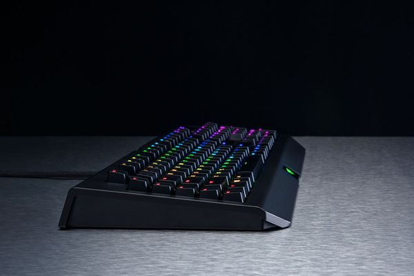 razer BlackWidow Chroma V2 Gaming Keyboard Orange Switches (DEU Layout - QWERTZ) – Bild 7