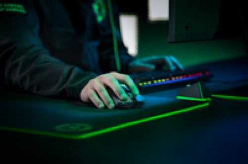RAZER Viper Ultimate Wireless Gaming Maus (Ultraleicht, beidhändig, kabelgebunden mit optischen Sensor (16.000 Dpi) und den schnellsten Mausschaltern im Gamingbereich mit RGB Chroma Beleuchtung) – Bild 5