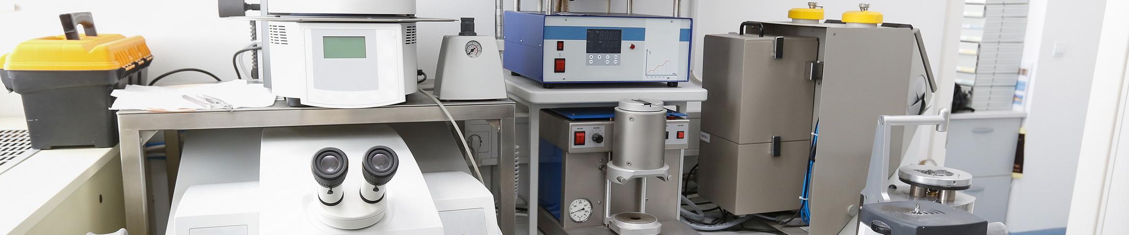Labor und Medizintechnik...