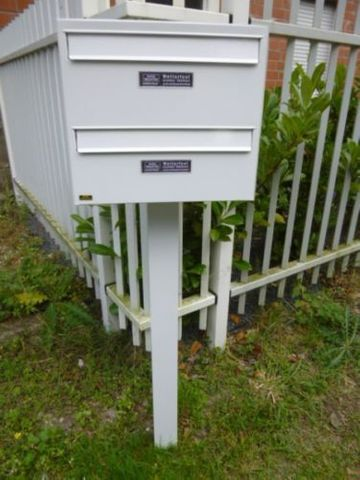 Burgwächter Standbriefkasten Weiß Briefkasten 2 Parteien Postkasten – Bild 2