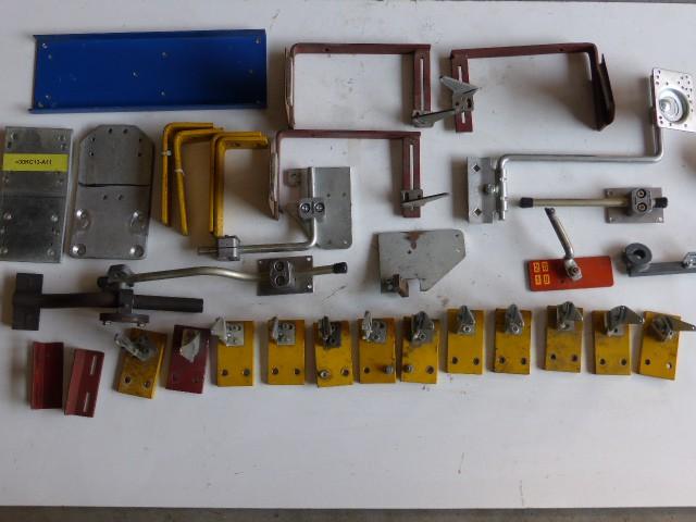Diverse Halterungen Fotozellenbefestigung f. Fotozellen Lichtschranken Näherungssensoren  – Bild 1
