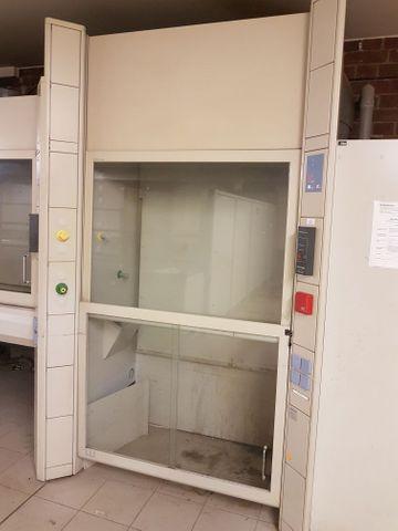 Köttermann Laborabzug 2-402-HD Sicherheitsarbeitstisch Sicherheitswerkbank Begehbar – Bild 1