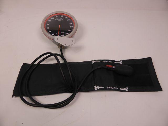 WelchAllyn Maxi Stabil 3 Präzisionsblutdruckmeßgerät Blutdruckmeßgerät – Bild 1