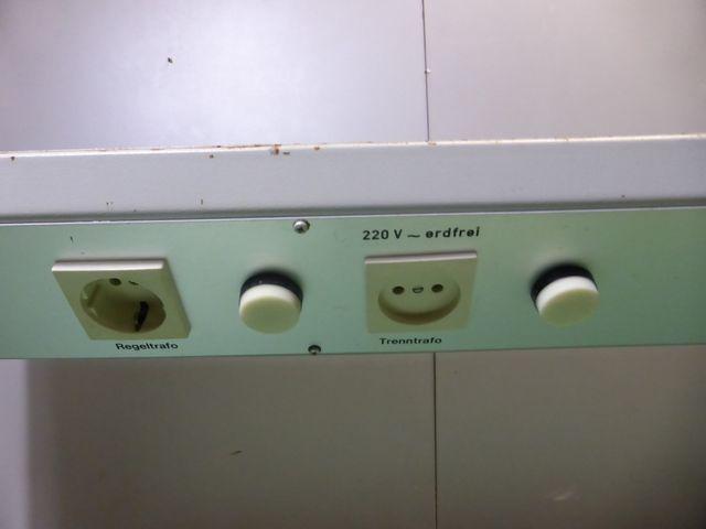 Labor Elektro Mess & Prüfplatz Arbeitsplatz 4x Stromzuleitung – Bild 9