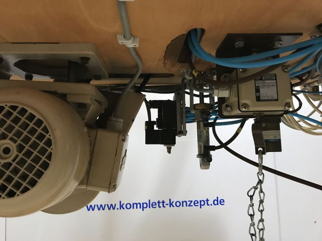 PFAFF 3306 Industrie-Nähmaschine Knopfnähmaschine Knopfannähautomat 4 Loch – Bild 6