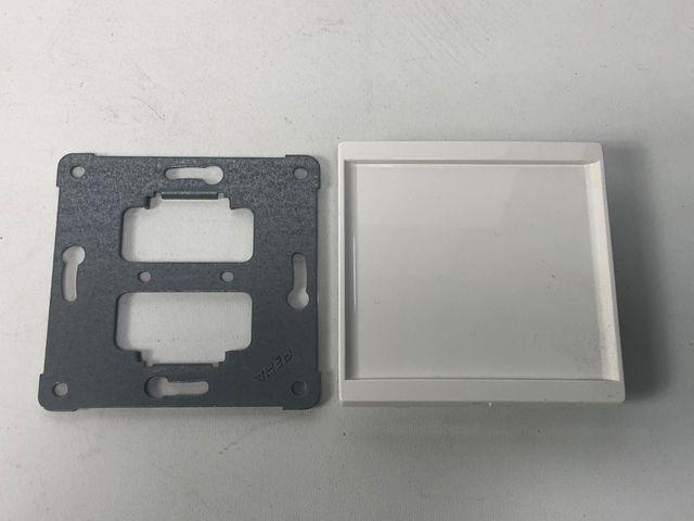 10x PEHA H 20.677.02 Blindverschluss Zentralplatte aura reinweiß mit Tragplatte – Bild 1