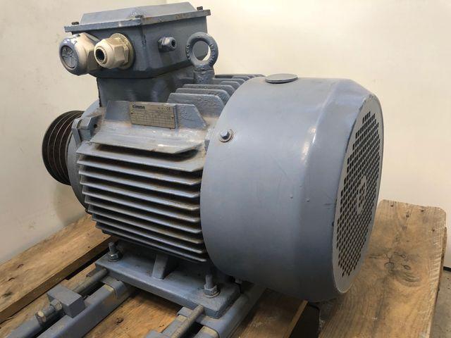 Cimme 2MGA160M-4 Elektromotor Getriebemotor Starkstrom 1750 U/min 12,7 kW – Bild 2