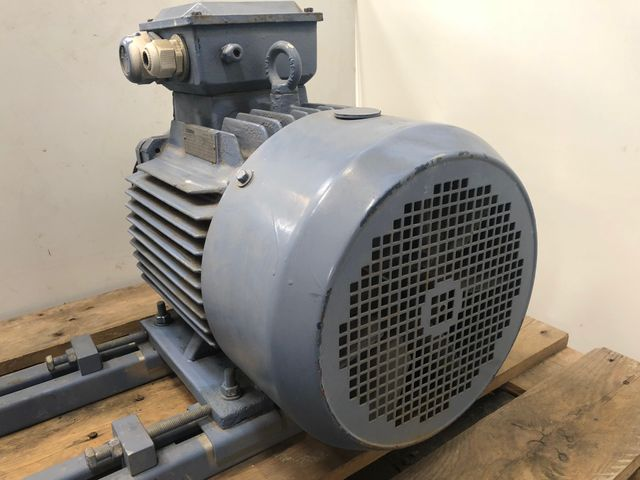 Cimme 2MGA160M-4 Elektromotor Getriebemotor Starkstrom 1750 U/min 12,7 kW – Bild 3
