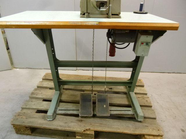 Brother Industrie Nähmaschine CB3-B912-1 Knopf Maschine Knopfnähmaschine  – Bild 6