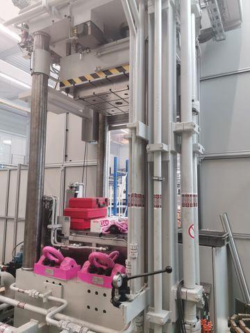 SMS HPM 250 Neuwertige Hydr. Umformpresse Presse Pulverpresse Neupreis 1.8 Mio € – Bild 5