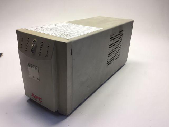 APC Smart UPS 700 Grau Nostromversorgung 700VA 450 Watt 4x230V RS232  – Bild 1