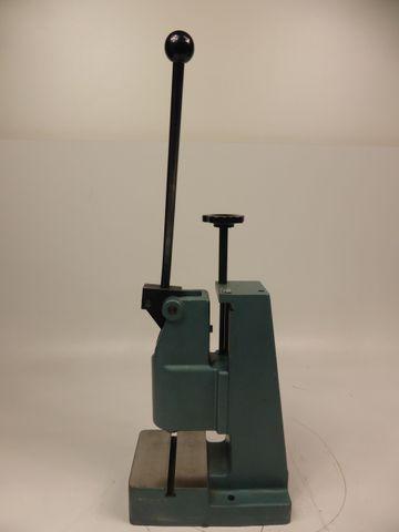 Mäder APKT 3-60 Kniehebelpresse Handhebelpresse Presse Hand-Kniehebelpresse – Bild 2