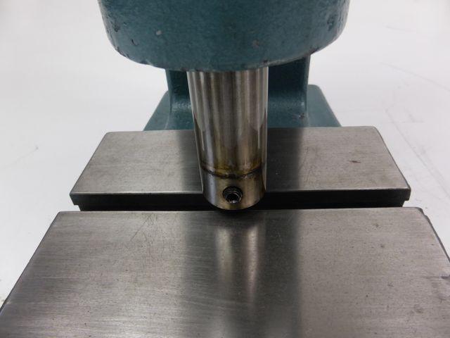 Mäder APKT 3-60 Kniehebelpresse Handhebelpresse Presse Hand-Kniehebelpresse – Bild 4