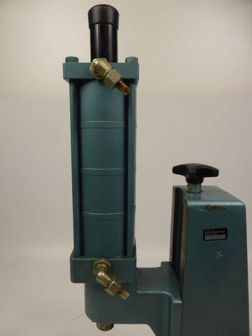 Mäder DLP 1700 HV Direktwirkende Druckluftpresse Presse 17 kN – Bild 5