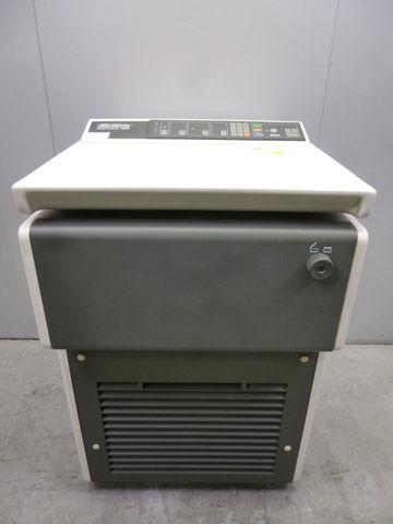 Hettich Rotixa RP Typ 4200 Kühlzentrifuge Zentrifuge Laborzentrifuge 7500 U/min – Bild 1