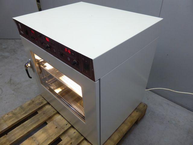GFL 3032 Schüttelinkubator Wärmeschrank Trockenschrank Brutschrank +70 °C  – Bild 2