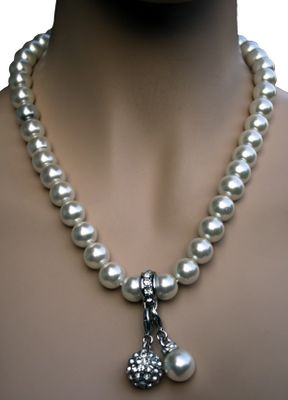 Trachten Necklace Pearl Imitation Charms Charm White Nacre