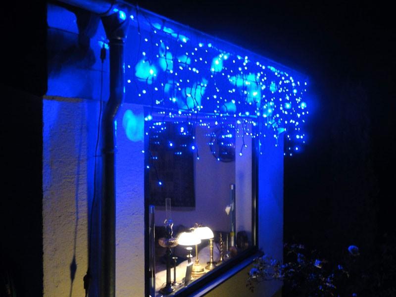 3m led eiszapfen lichterkette icicle light blau led. Black Bedroom Furniture Sets. Home Design Ideas