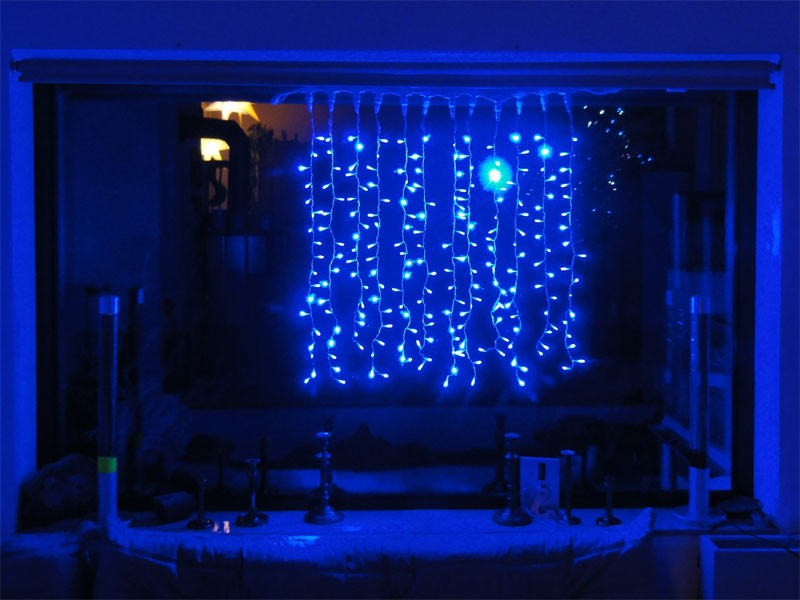 216 led lichterketten vorhang 1x1m blau f r innen led lichterketten. Black Bedroom Furniture Sets. Home Design Ideas