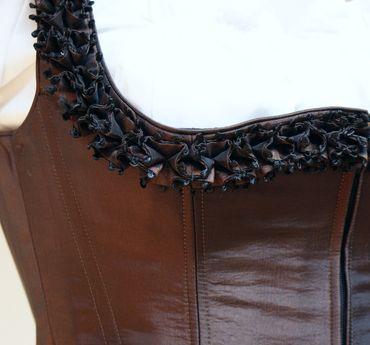 Designer Mieder-Dirndl Festtracht Kleid Trachtenkleid Dirndlkleid bronze braun – Bild 5