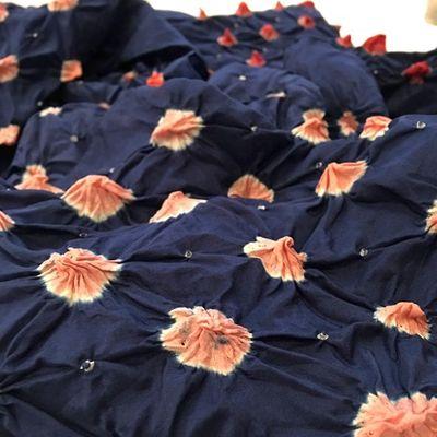 Blue Rose Bandhani silk scarf Tie & Dye – Bild 2
